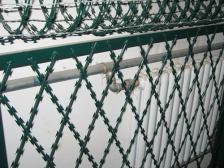刀片刺网防护栏