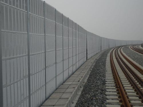 高铁地铁声屏障